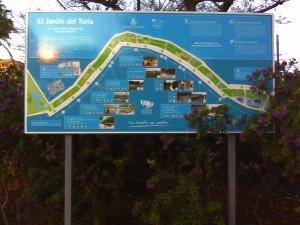 Ein Foto einer Karte der Parkanlage im Fluss Turia