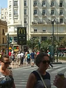 Menschen auf den Straßen von Barcelona