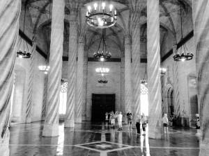 Spiralsäulen im großen Saal der Lonja in Valencia