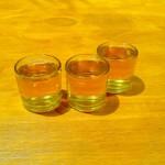 3 Gläßchen Mistela