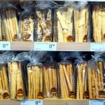 Ein Supermarktregal voll mit Rosquillatas